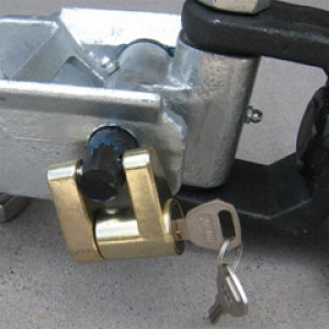 Hitch Connecting Pin Lock